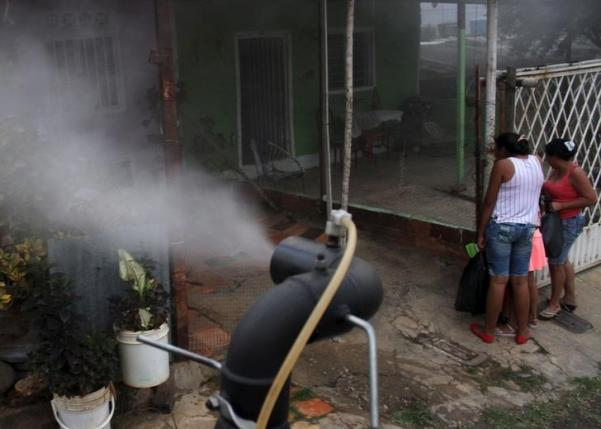City workers fumigate a street as part of preventive measures against the Zika virus vector, the Aedes aegypti mosquito, in Cucuta, Colombia, January 30, 2016. REUTERS/Manuel Hernandez