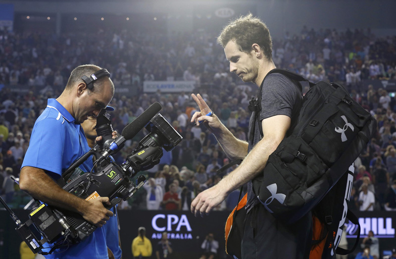Britain's Andy Murray gestures at a cameraman after winning his fourth round match against Australia's Bernard Tomic at the Australian Open tennis tournament at Melbourne Park, Australia, January 25, 2016. Photo: Reuters