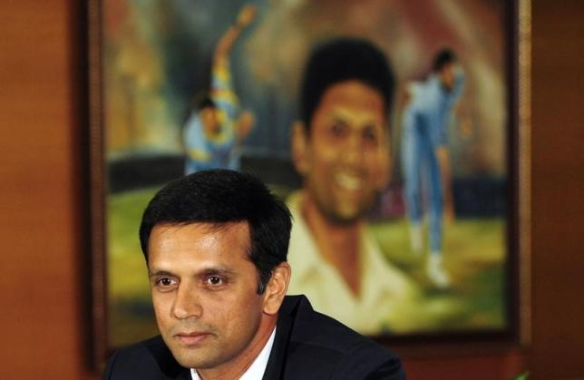Indian cricket player Rahul Dravid speaks to the media as he announces his retirement from international cricket at the Chinnaswamy Stadium in Bangalore March 9, 2012. REUTERS/Stringer/Files