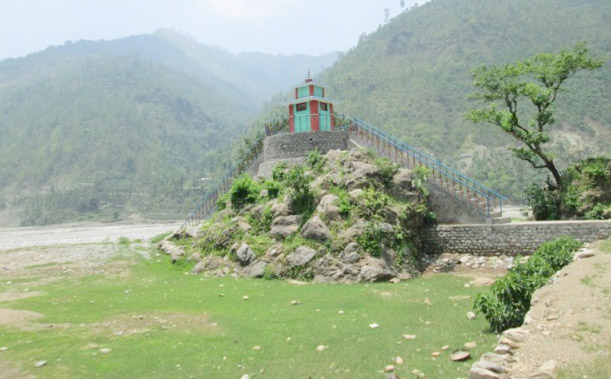 A view of a temple built with the assistance of Ministry of Tourism on the banks of the Bheri River, in Jajarkot, on Saturday. Photo: THT