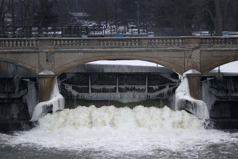 The Flint River is shown near downtown Flint, Michigan, on Thursday, January 21, 2016. Photo: AP