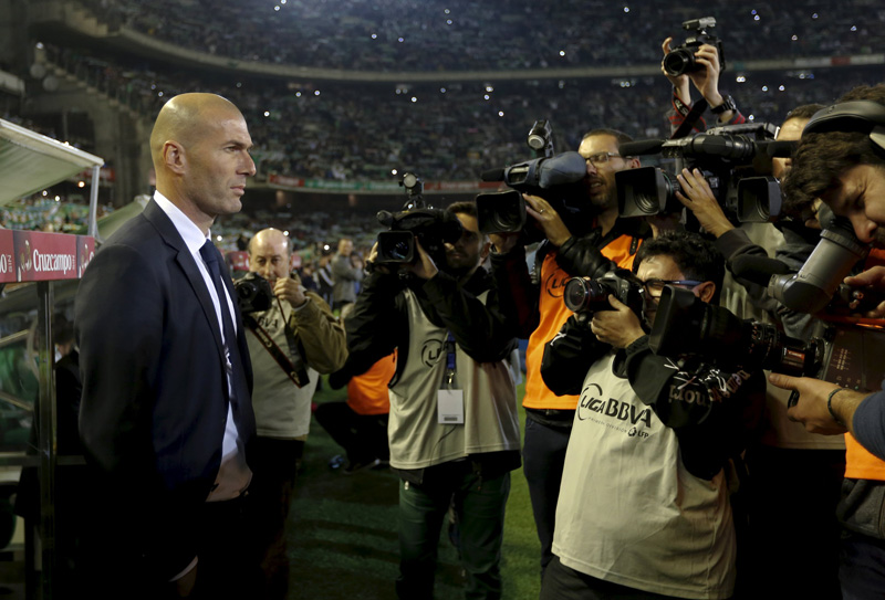 Real Madrid's coach Zinedine Zidane against Real Betis