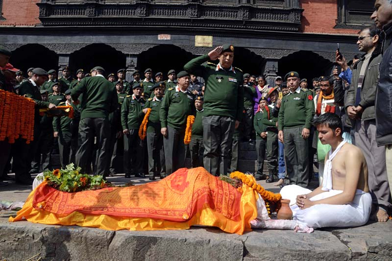Acting Chief of Army Staff Lieutenant General Baldev Raj Mahat paying his last respect to the body of Brigadier General (Technical) of Nepal Army, Bharat Prasad Singh, who died on January 24 while working under the UNAMID Mission in Sudan, in Pashupati, on Monday, February 01, 2016. Photo: Nepal Army
