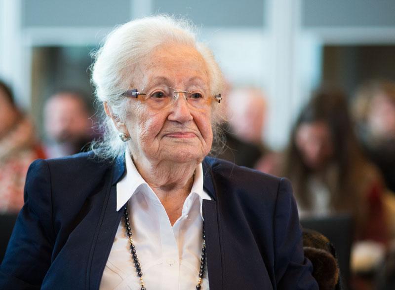 Auschwitz survivor Erna de Vries  arrives at the court  in Detmold, Germany, on Friday February 12, 2016. Photo: Bernd Thissen/Pool Photo via AP