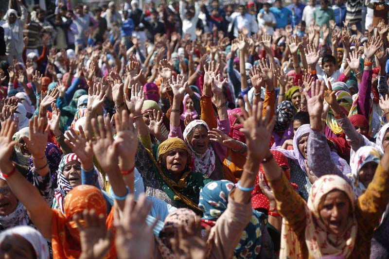 Demonstrators from the Jat community shout slogans as they block the Delhi-Haryana national highway during a protest at Sampla village in Haryana, India, on February 22, 2016. Photo: Reuters