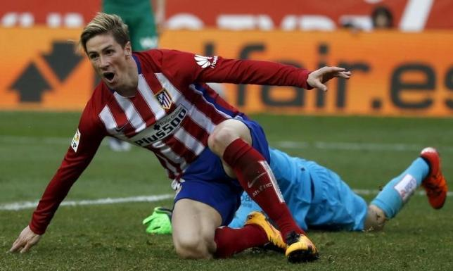 Football Soccer - Atletico Madrid v Eibar - Spanish Liga BBVA - Vicente Calderon stadium, Madrid, Spain - 06/02/16 Atletico Madrid's Fernando Torres celebrates his goal .REUTERS/Javier Barbancho