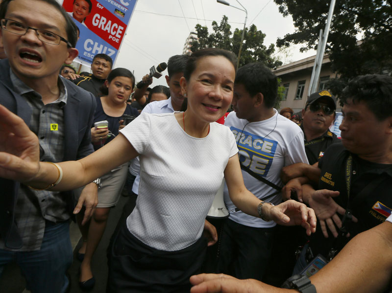 FILE - Presidential candidate Sen. Grace Poe arrives at the Philippine Supreme Court for the oral arguments following a petition filed before the Highest Court questioning her citizenship in Manila, Philippines, on January 19, 2016. Photo: AP