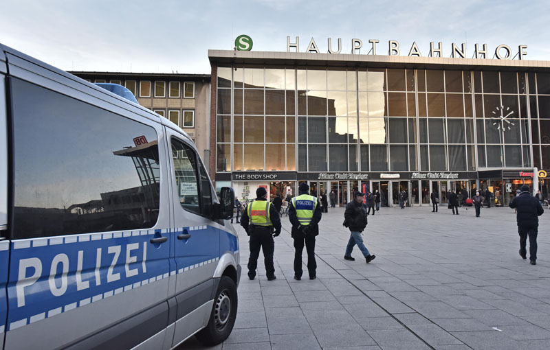 Police patrol in front of the main train station in Cologne, Germany, Monday, January 18, 2016. Photo: AP