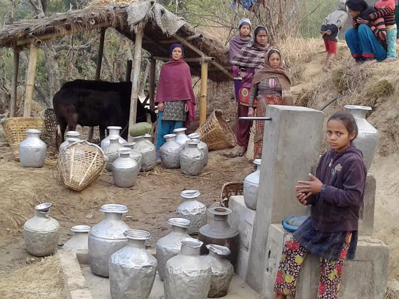 Local people waiting in a queue to fetch water in Lichkiramche-7 of Kalapani in Khotang district. Photo: Dilip Khatri