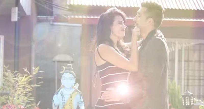 A videograb of music video - Machhapuchhre Royo Aaja.