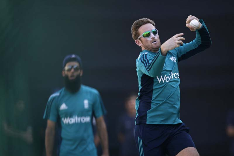 England cricketer Liam Dawson bowls at the nets during a practice session in New Delhi, India, on Tuesday, March 22, 2016. Photo: AP