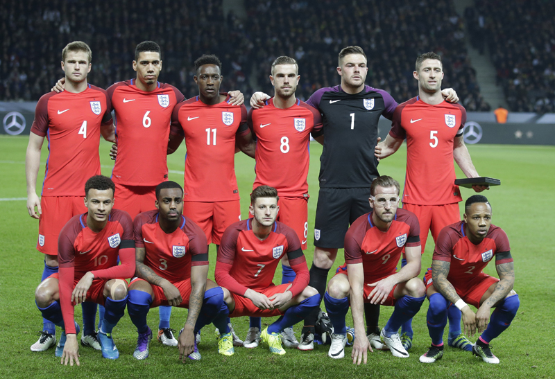 The England team pose for a team photo prior to a friendly soccer match between Germany and England in Berlin, Germany, Saturday, March 26, 2016. Photo: AP