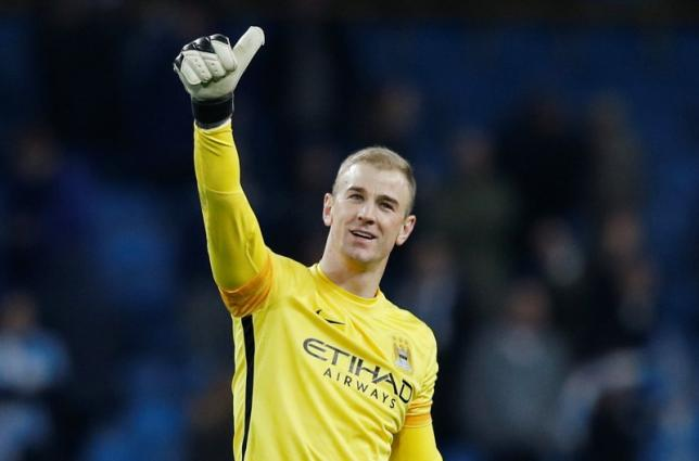 Football Soccer - Manchester City v Dynamo Kiev - UEFA Champions League Round of 16 Second Leg - Etihad Stadium, Manchester, England - 15/3/16nManchester City's Joe Hart acknowledges the fans after the gamenReuters / Phil Noble