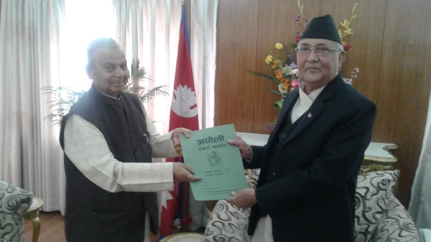 Tarai Madhes Democratic Party, one of the constituents of the UDMF, Chairman Mahantha Thakur submitting a memorandum to Prime Minister KP Sharma Oli at the latter's residence in Baluwatar on Friday, March 11, 2016. Photo: PM's Secretariat