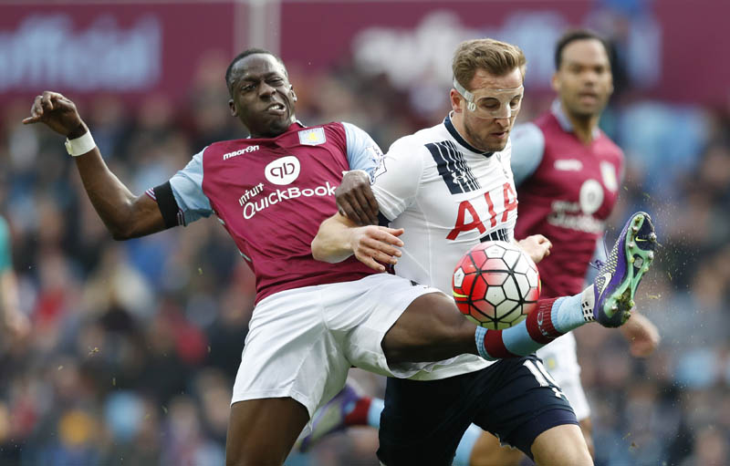 Tottenham's Harry Kane (right) vies for the ball with Aston Villa's Aly Cissokho during their English Premier League match at the Villa Park on Sunday. Photo: Reuters