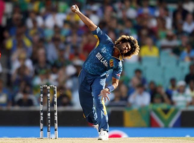 Sri Lanka's Lasith Malinga bowls during the Cricket World Cup quarter-final match against South Africa at the Sydney Cricket Ground (SCG) March 18, 2015. REUTERS/Jason Reed/Files