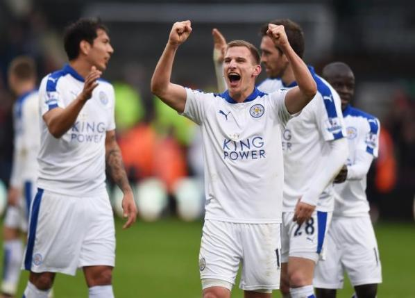 Football Soccer - Crystal Palace v Leicester City - Barclays Premier League - Selhurst Park - 19/3/16nLeicester City's Marc Albrighton celebrates winning after the gamenAction Images via Reuters / Tony O'Brien/ Livepic