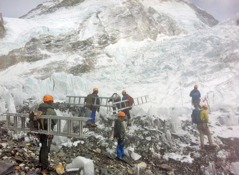 Icefall doctors preparing to fix the climbing route along the icefall section for the spring climbing of Mt Everest, on Sunday, March 20, 2016. Photo: THT