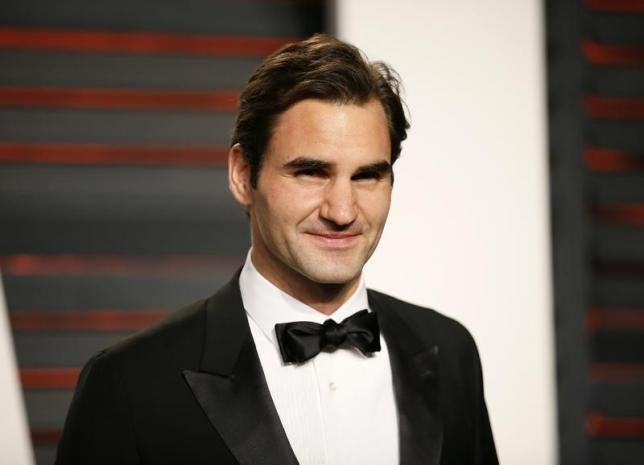 Tennis player Roger Federer arrives at the Vanity Fair Oscar Party in Beverly Hills, California February 28, 2016.  REUTERS/Danny Moloshok