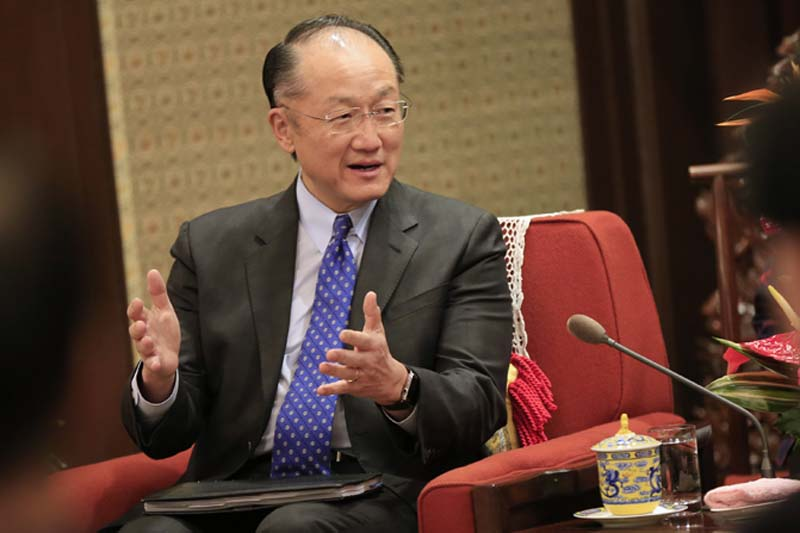 World Bank President Jim Yong Kim gestures as he speaks with Chinese Premier Li Keqiang (not pictured) during their meeting in Zhongnanhai Leadership Compound in Beijing, China, on February 24, 2016. Photo: Reuters