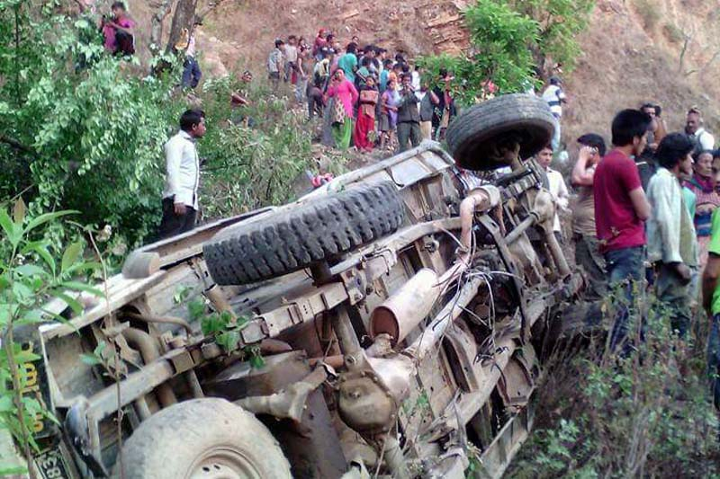 A jeep that skidded off the road in Okharkot of Pyuthan district, on Sunday, April 24, 2016. Photo: THT