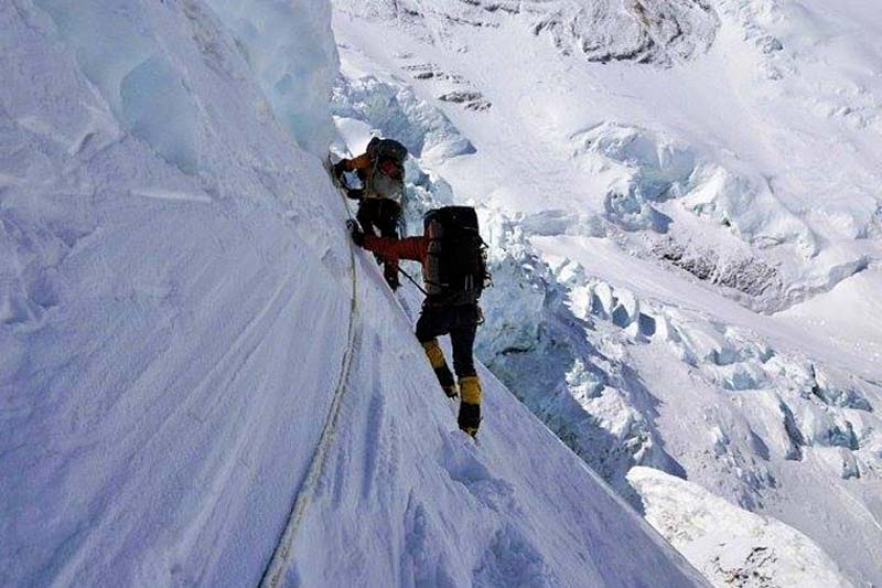 FILE: Climbers acclimatising and adjusting to their environment above 6,500 m on the Mount Everest. Photo courtesy: Ronnie Muhl