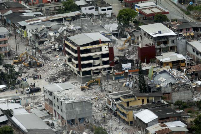 An aerial view is seen of Pedernales, after an earthquake struck off Ecuador's Pacific coast, April 20, 2016. REUTERS/Guillermo Granja