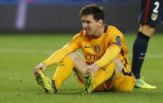 Football Soccer - FC Barcelona v Atletico Madrid - UEFA Champions League Quarter Final First Leg - The Nou Camp, Barcelona, Spain - 5/4/16nBarcelona's Lionel Messi looks dejected after a missed chancenReuters / Albert GeanLivepic