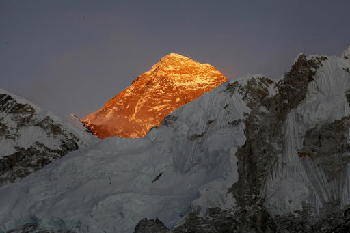 In this Nov. 12, 2015 photo, Mt. Everest is seen from the way to Kalapatthar in Nepal. Photo: AP