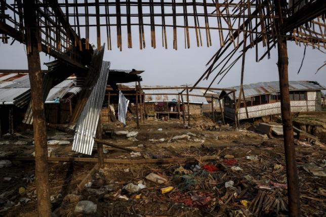 The frame of a damaged shelter is seen in Rohingya IDP camp outside Sitttwe, Rakhine state August 4, 2015. REUTERS/Soe Zeya Tun