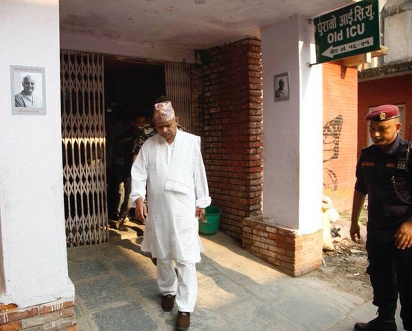 Former President Ram Baran Yadav returns after visiting journalist Kunda Dixit at the Bir Hospital, on Tuesday, April 26, 2016. Photo: Kunda Dixit