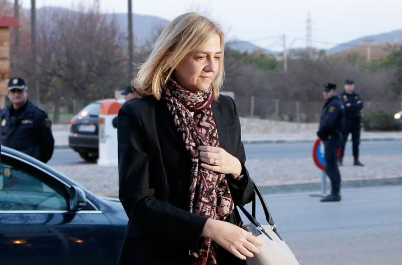 FILE - Spain's Princess Cristina arrives at a makeshift courtroom for a corruption trial, in Palma de Mallorca, Spain, on Monday, January 11, 2016. Photo: Emilio Morenatti/AP