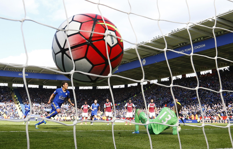 Leonardo Ulloa celebrates after scoring the second goal for Leicester from the penalty spot aginst West Ham at King Power Stadium on Sunday, April 17, 2016. Photo: Reuters
