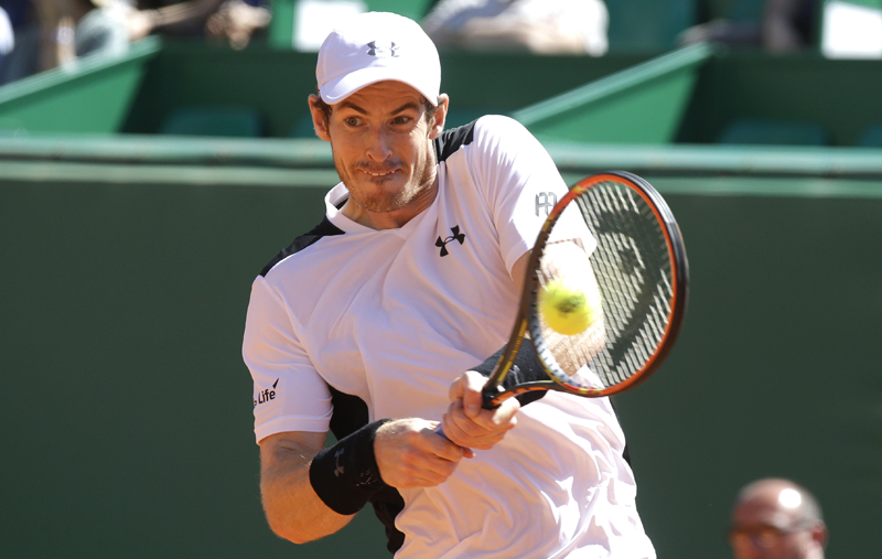 Andy Murray of Britain plays a return to France's Benoit Paire during their match of the Monte Carlo Tennis Masters tournament in Monaco, Thursday, April 14, 2016. Photo: AP