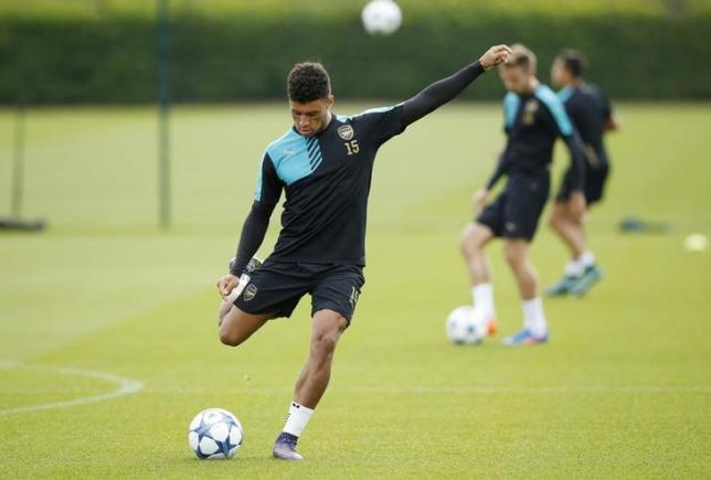 Football - Arsenal Training - Arsenal Training Ground - 28/9/15nArsenal's Alex Oxlade-Chamberlain during trainingnAction Images via Reuters / John Sibley/ Livepic/ Files