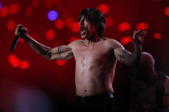 Anthony Kiedis of The Red Hot Chili Peppers performs during the halftime show of the NFL Super Bowl XLVIII football game between the Denver Broncos and the Seattle Seahawks in East Rutherford, New Jersey, February 2, 2014. Photo: Reuters/ File