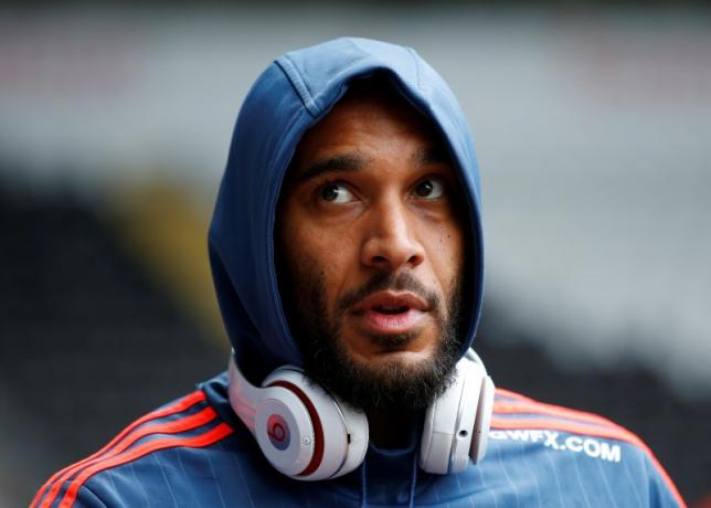 Britain Football Soccer - Swansea City v Liverpool - Barclays Premier League - Liberty Stadium - 1/5/16nSwansea's Ashley Williams arrives at the stadiumnAction Images via Reuters / Carl Recine/ Livepic