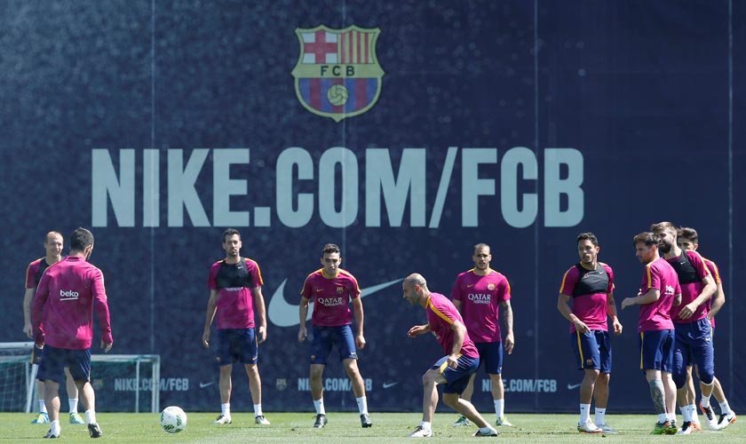 Barcelona's players attend a training session prior to Spanish Kings Cup final against Sevilla. REUTERS/Albert Gea