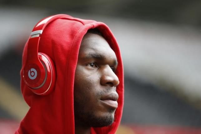 Britain Football Soccer - Swansea City v Liverpool - Barclays Premier League - Liberty Stadium - 1/5/16nLiverpool's Christian Benteke arrives at the stadiumnAction Images via Reuters / Carl Recine/ Livepic/ Files