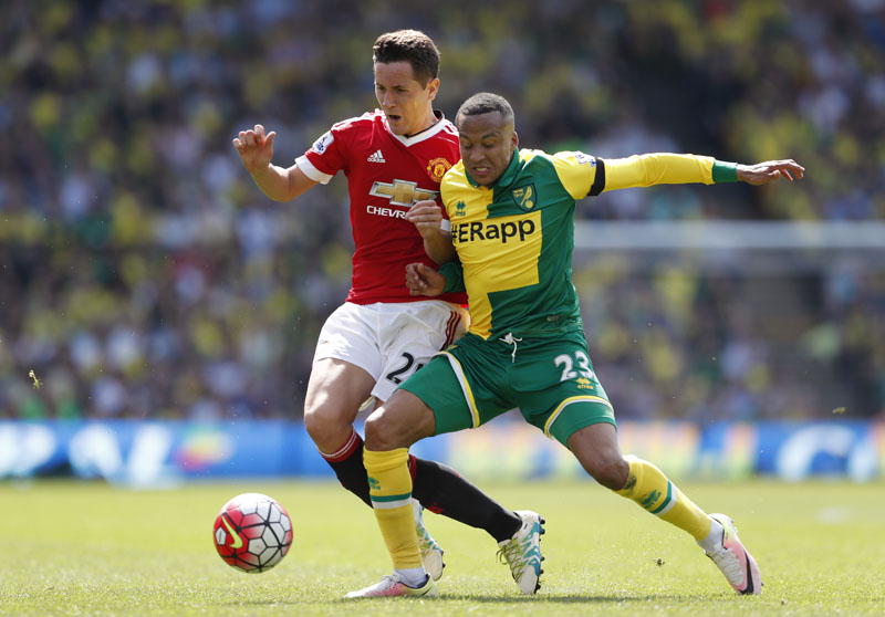 Manchester United's Ander Herrera in action with Norwich's Martin Olsson in Carrow Road. Photo: Action Images via Reuters/John Sibley