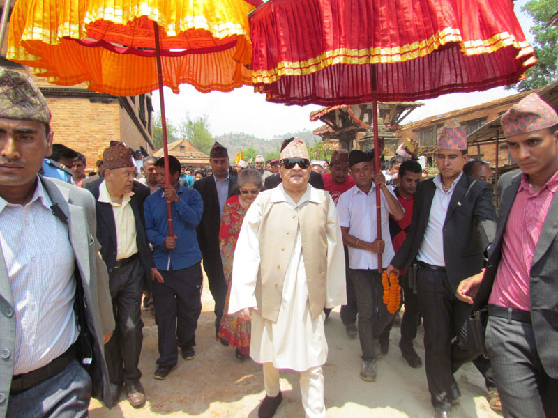 Former king Gyanendra Shah on to pay homage at different temples including the Bhairavi Temple in Nuwakot, on may 14, 2016. Photo: RSS