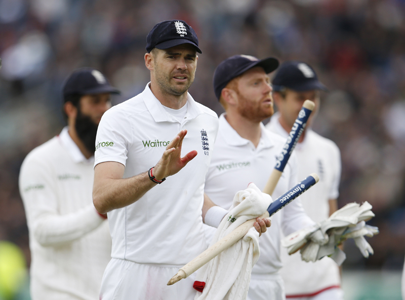 England's James Anderson and teammates celebrate after the match against Sri Lanka in the 1st Test Match at Headingley on Saturday, May 21, 2016. Photo: Reuters