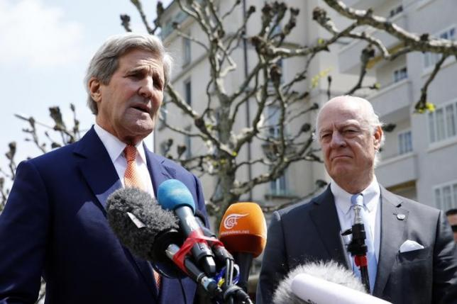 U.S. Secretary of State John Kerry (L) gestures next to United Nations Special Envoy on Syria Staffan de Mistura during a news conference in Geneva, Switzerland May 2, 2016. REUTERS/Denis Balibouse