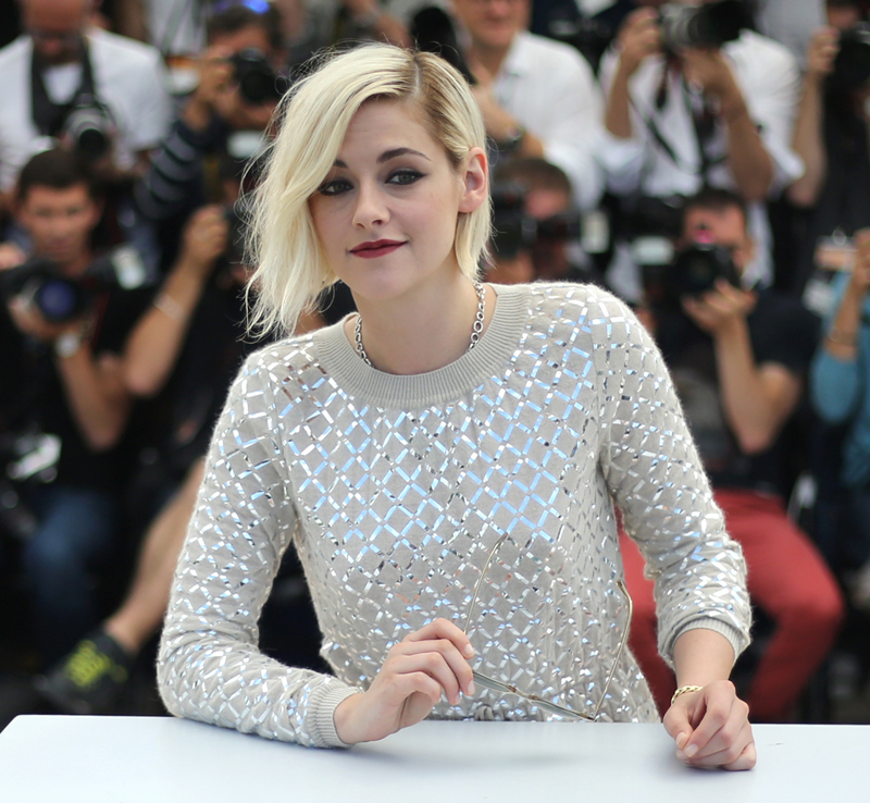Actress Kristen Stewart poses for photographers during the photo call for the film Personal Shopper at the 69th international film festival, Cannes, southern France, Tuesday, May 17, 2016. Photo: AP