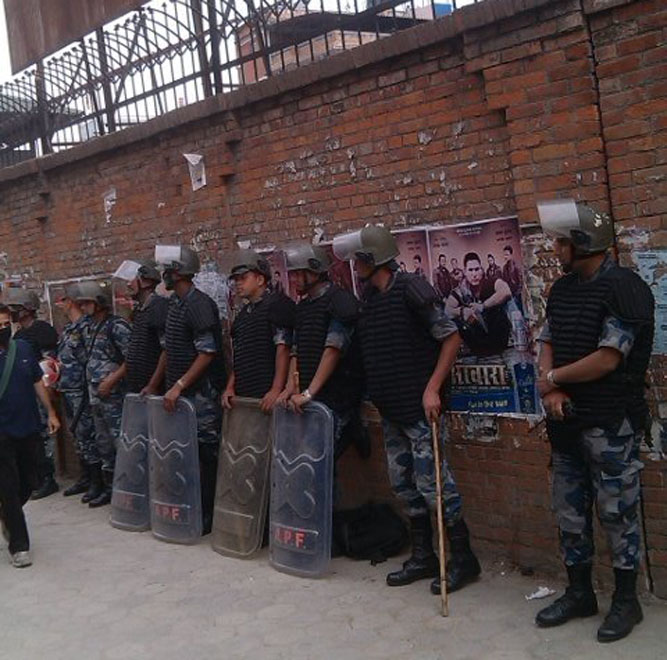 Nepal Police personnel guard Singhadarbar as they rehearse controlling the protests of Federal Alliance, in Kathmandu, on Monday, May 9, 2016. Photo: THT Online