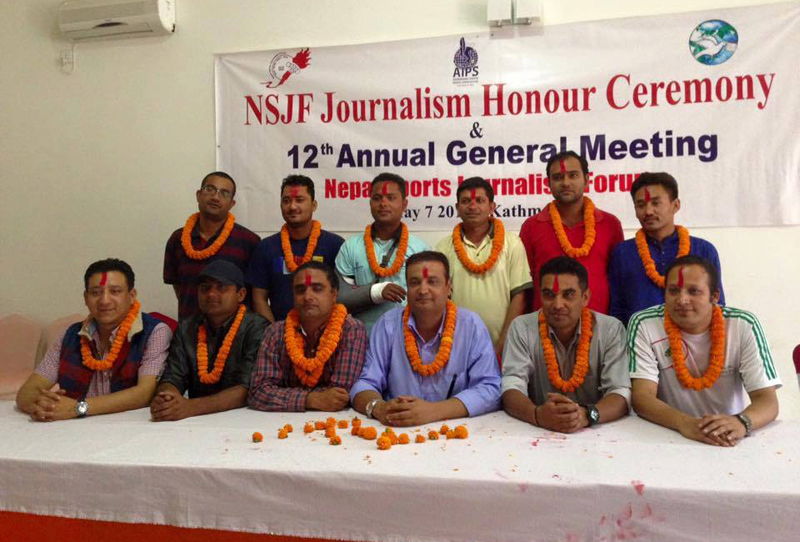 Newly elected committee of the Nepal Sports Journalists Forum, in Kathmandu, on Saturday, May 7, 2016. Photo: NSJF