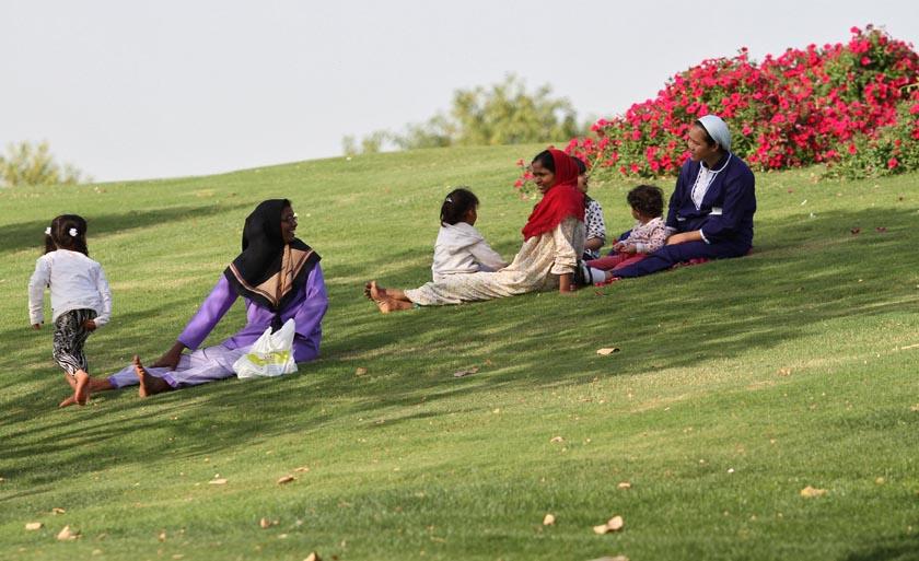 Women rest at Aspire Park in Doha, Qatar April 8, 2016. REUTERS/Naseem Zeitoon