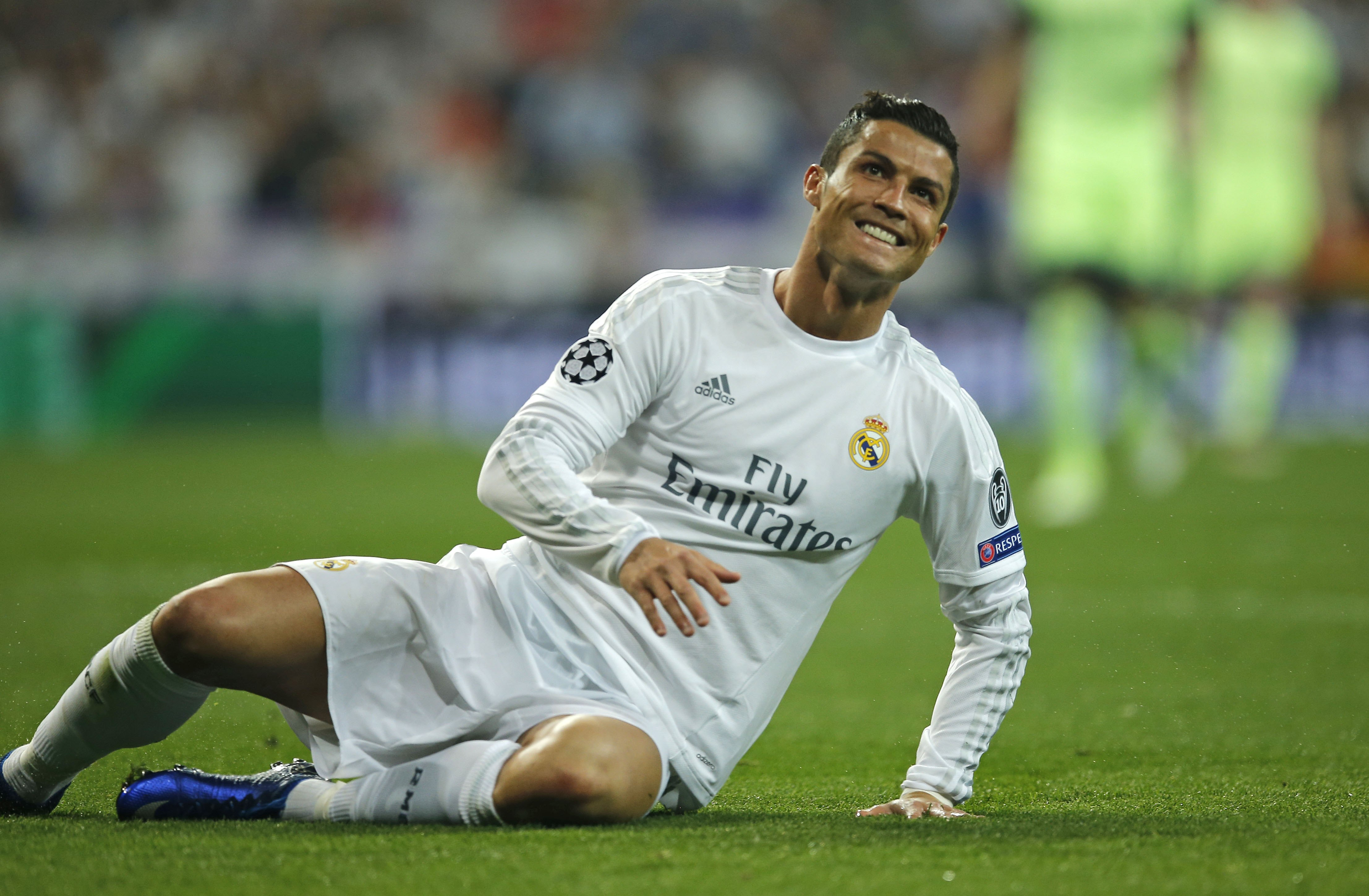 Real Madrid's Cristiano Ronaldo reacts after missing a chance during the Champions League semifinal second leg soccer match between Real Madrid and Manchester City at the Santiago Bernabeu stadium in Madrid, Wednesday May 4, 2016. Photo: AP