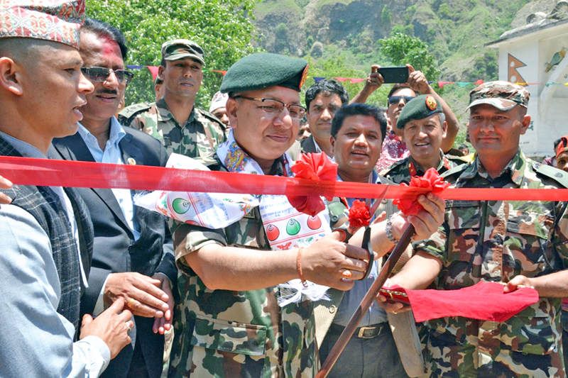 Chief of Army staff Rajendra Chettri inaugurates Kaligandai Corridor amid a function by cutting ribbon, in Baglung on Wednesday, May 18, 2016. Photo: RSS