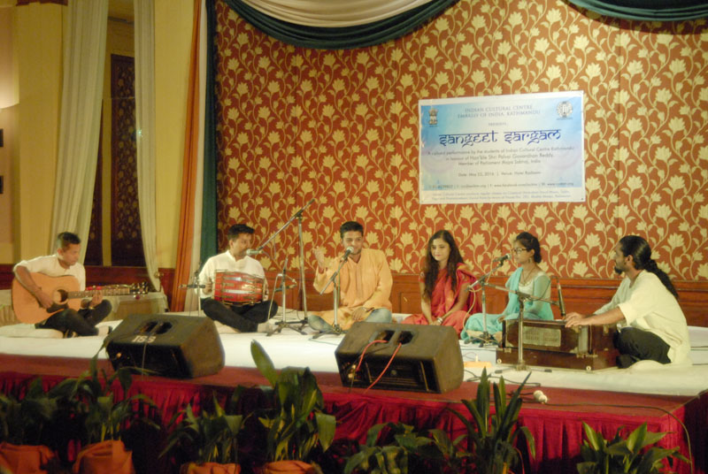 Students and artists sing raagas in a programme, u2018Sangeet Sargamu2019  organised by the Indian Cultural Center (ICC) in honour of Indian politician Palvai Govardhan Reddy at Radisson Hotel Kathmandu, Lazimpat on May 23. Photo: THT